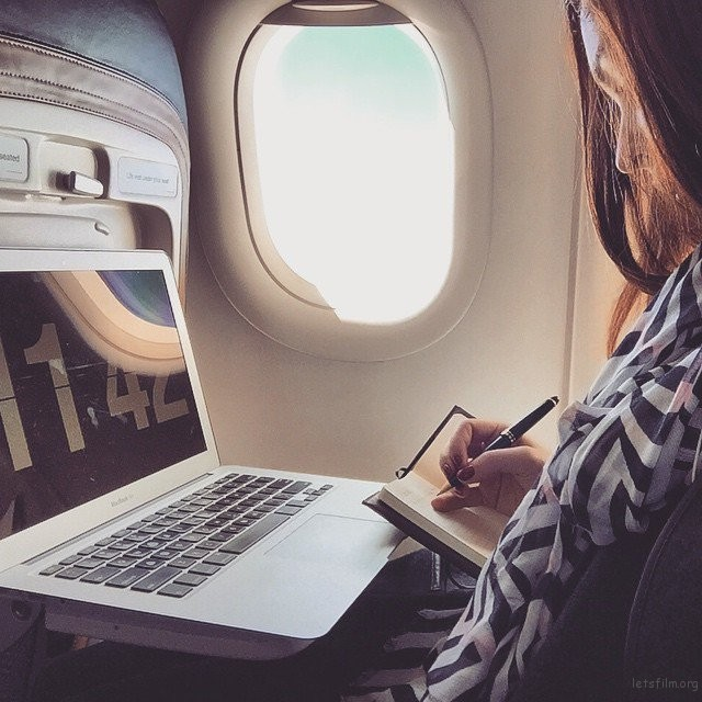 letsfilm-you-cant-help-but-envy-this-23-year-old-girl-who-get-paid-to-travel-around-the-world-12