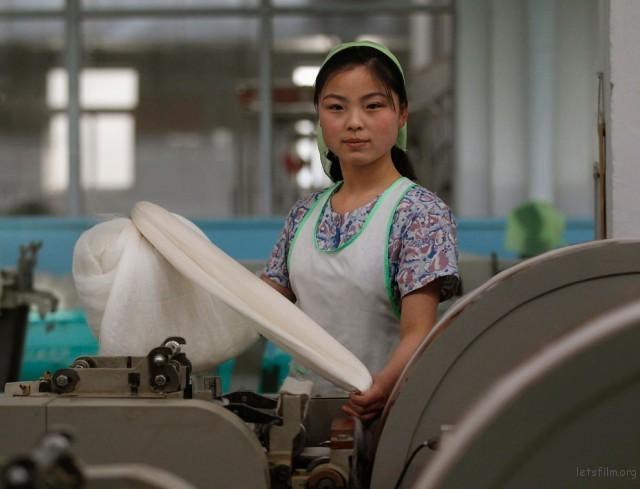平壤丝绸厂的女职员,2012