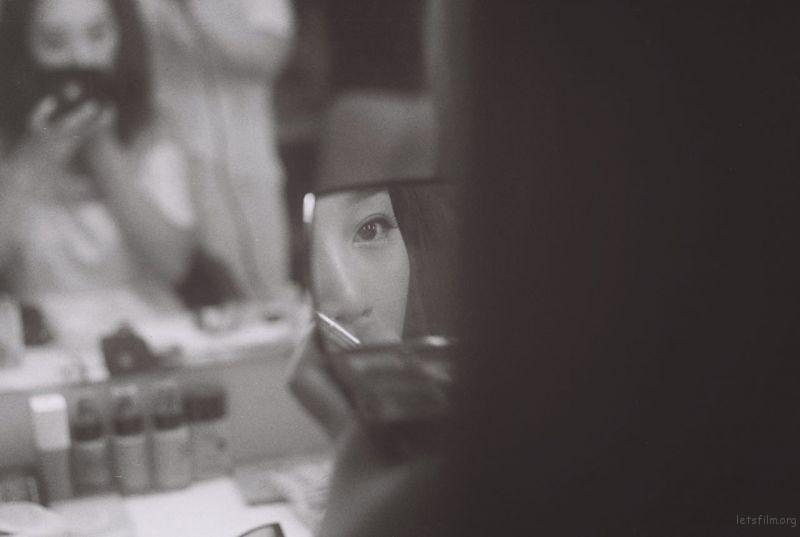 镜中的表演者