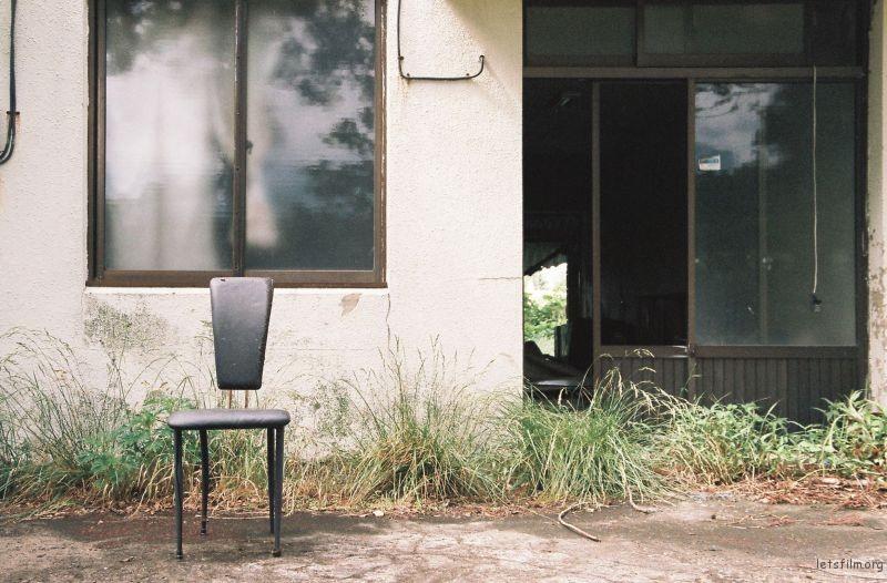 拍摄于2015年6月南韩,Nikon F60 拍摄 拍摄于南韩济州岛,一处废弃的民宅