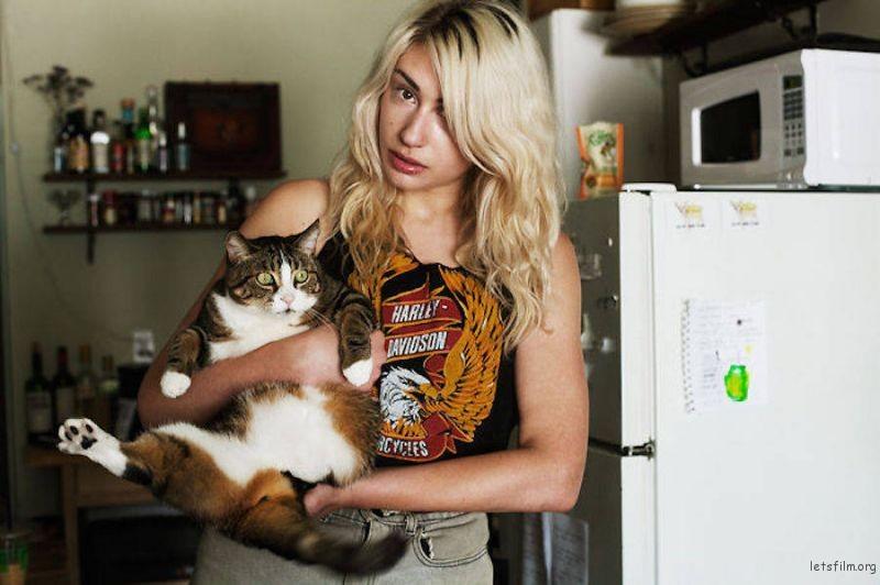 girlscat-1-900x599