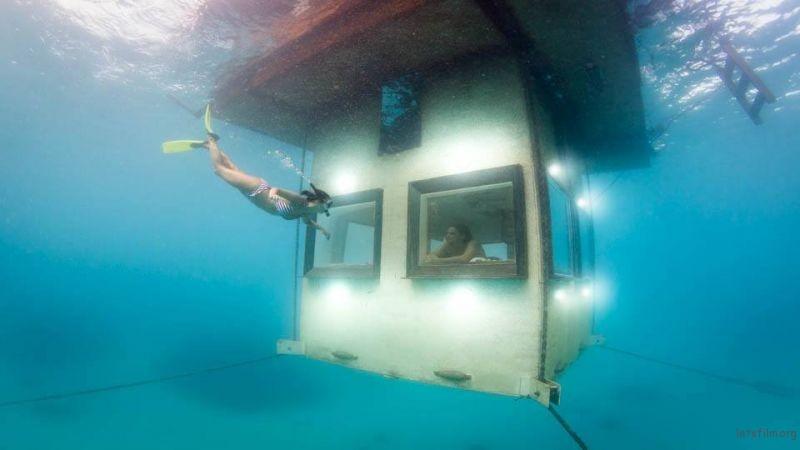 the-manta-resort-underwater-room-1