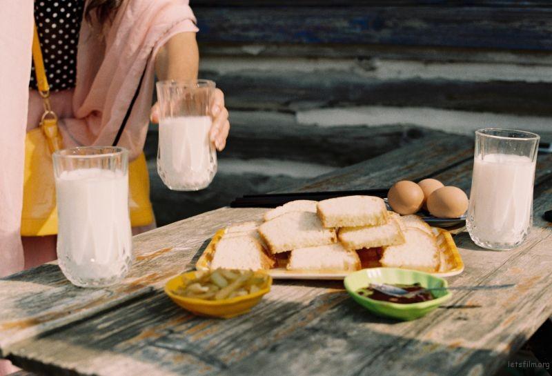 中国的老板娘跟胖胖的俄罗斯老板给我们做的早餐,大概是旅程中数一数二的美满回忆