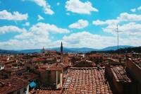 黑夜中闪烁的翡冷翠 About Florence