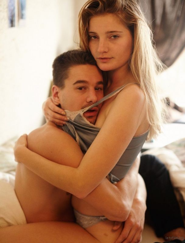 adaymag-photographing-young-couples-in-bed-around-the-world-01