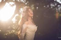 乘着光线的婚纱