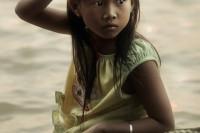 无法逃避的现实: Diego Arroyo 透过柬埔寨儿童的眼睛看世界