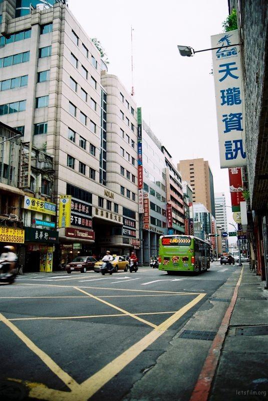 台灣  .   慢拍