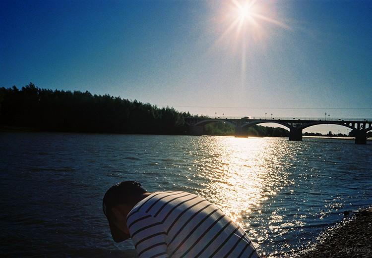 15年7月-布尔津河-条纹衣的男生-@nieweiiewein