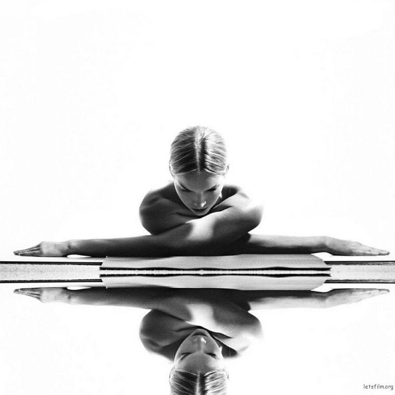 letsfilm-nude-yoga-girl-19