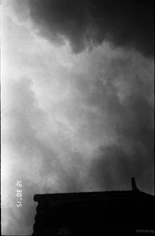 黑白灰的云