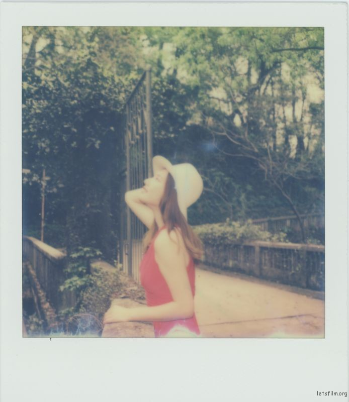 Polariod-4