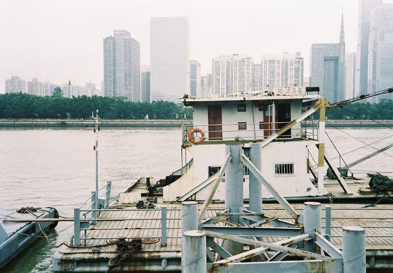 珠江边 器材:Rollei 35s
