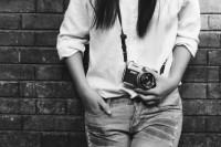 SUKI的黑白照