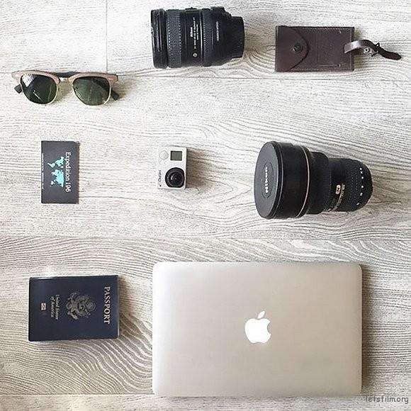一台相机,一本护照,一部 MacBook,可以走遍世界。
