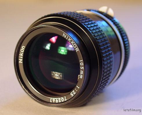 3-ai-nikkor-105mm-f2-5