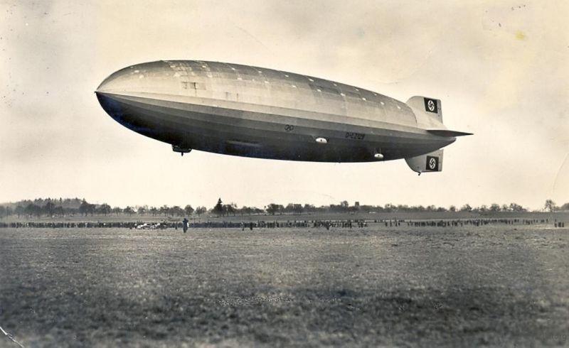 1936年3月的兴登堡号,飞艇的名字尚未被喷涂在船体上。