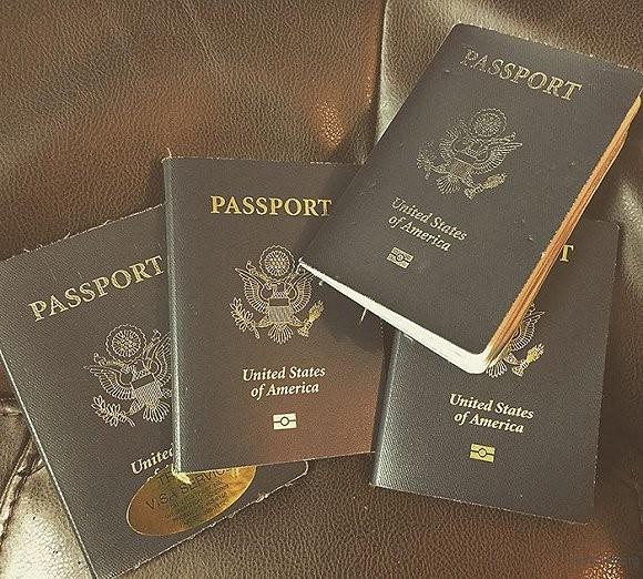 用掉了四本护照