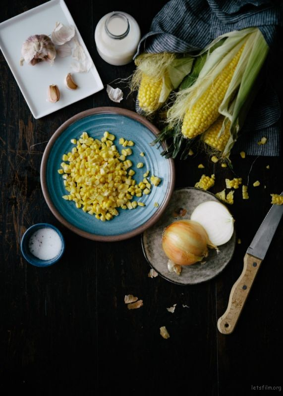 corns-on-blue-plate-750x1050