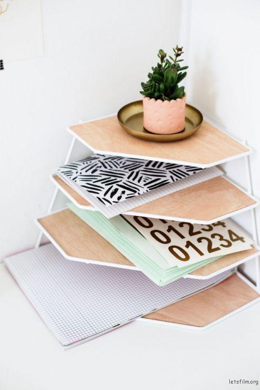 thefemin-6-easy-ways-to-organize-your-desk-03-650x975