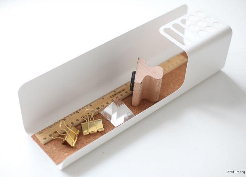 thefemin-6-easy-ways-to-organize-your-desk-06