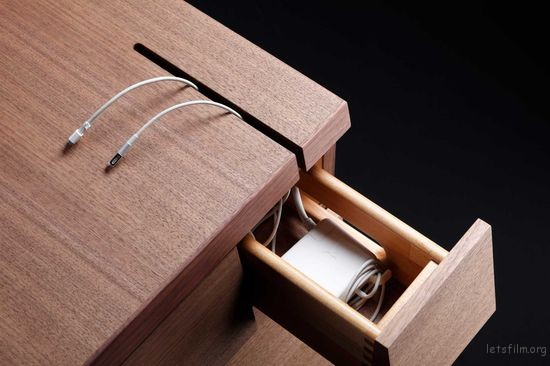 thefemin-6-easy-ways-to-organize-your-desk-13