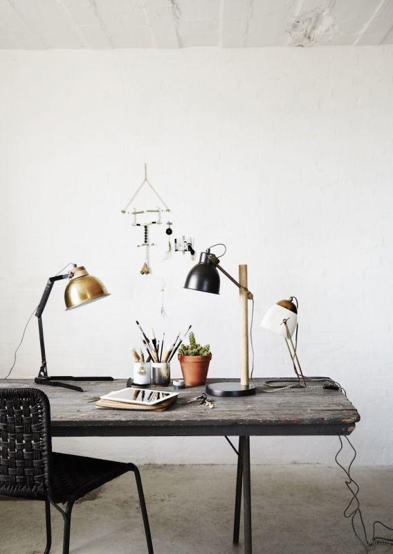thefemin-6-easy-ways-to-organize-your-desk-18