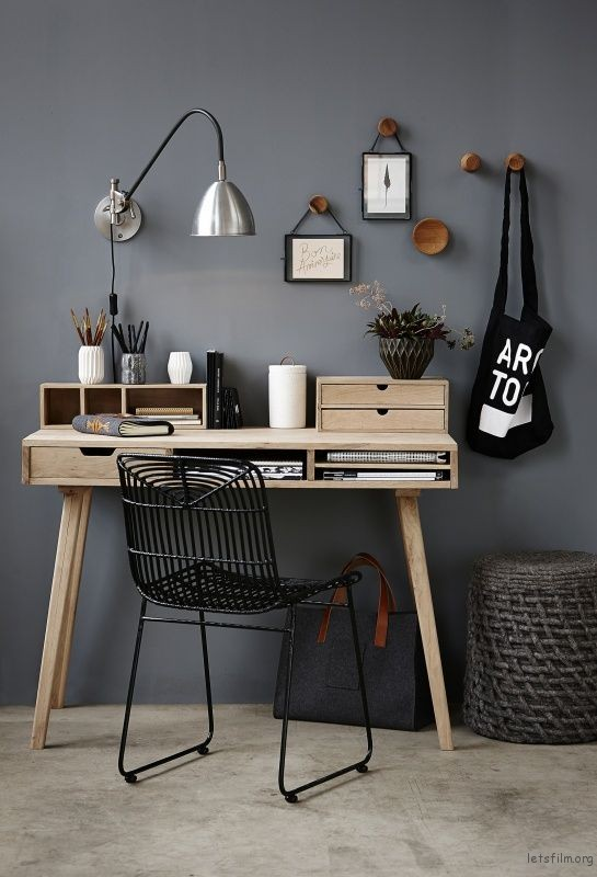 thefemin-6-easy-ways-to-organize-your-desk-23