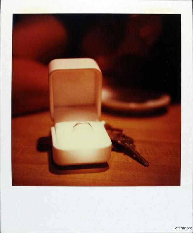 October 5, 1997 放佛知道他大限将至,女友做了一个决定,与他举行婚礼