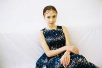 [11020] 安娜与蓝裙子