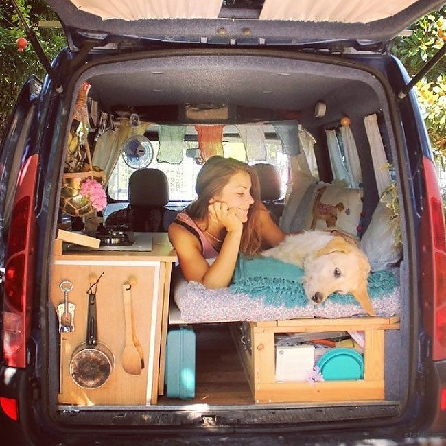 adaymag-woman-creatively-restores-old-van-to-travel-the-world-with-her-dog-01
