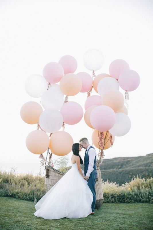 thefemin-balloons-to-candleswedding-shoot-03