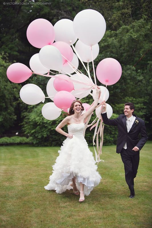 thefemin-balloons-to-candleswedding-shoot-12
