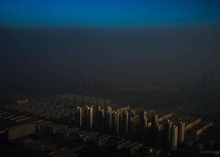 第 59 届荷赛奖当代热点类单幅一等奖  张磊「中国迷雾」