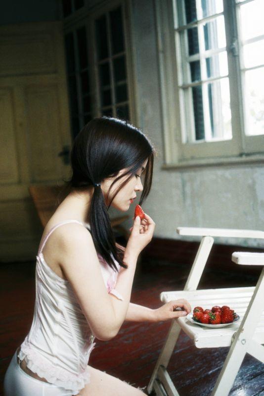 吃草莓的苗苗mmexport1489141455567