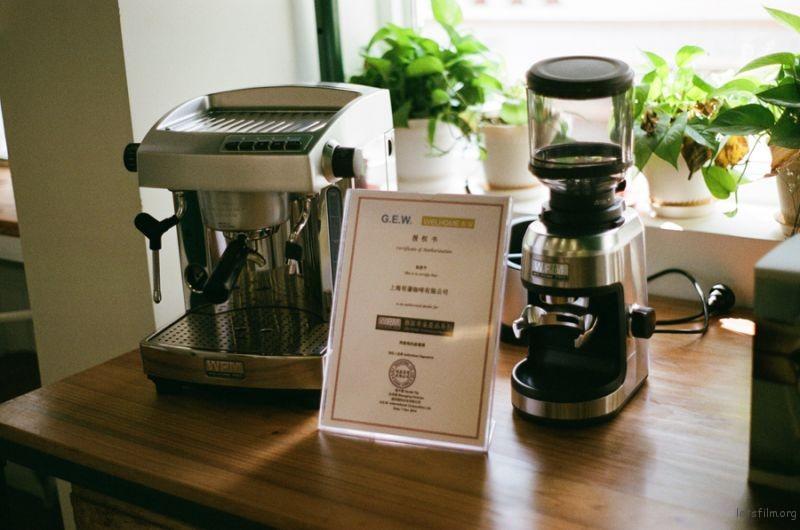 [ 胶 片 ] 明谦 · 咖啡 4-1