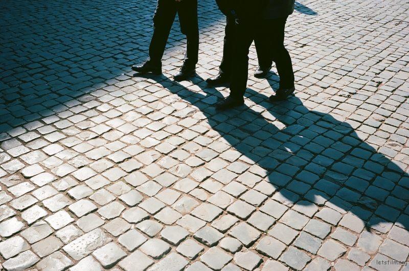 [12510] 陌生的人与他们的街道,以及他们没来得及讲的故事 | 胶片的味道