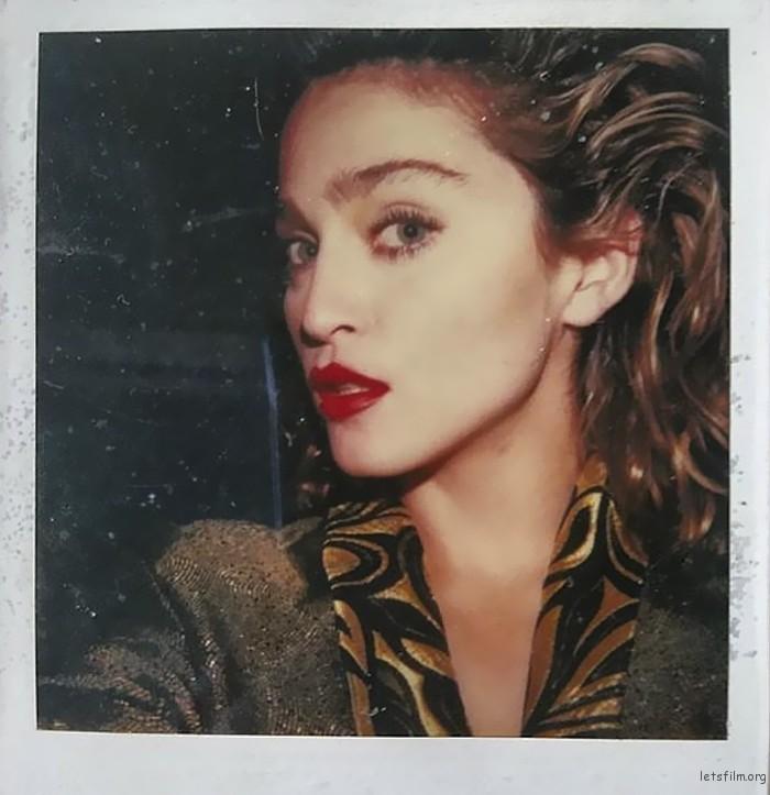 麦当娜,1982,宝丽来相机