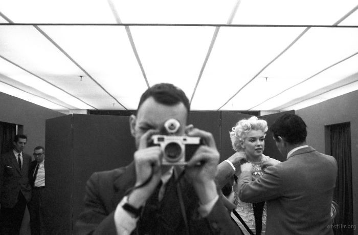 Ed Feingersh 自拍中和玛丽莲梦露的合影, 1955