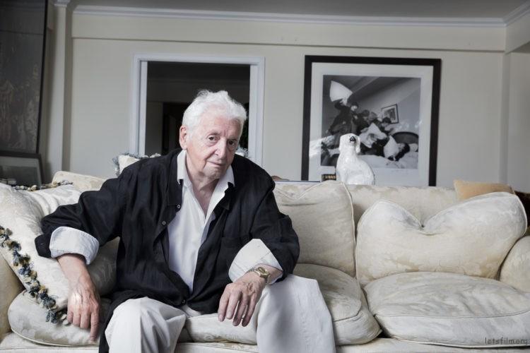 摄于哈里·本森于纽约的宅邸。