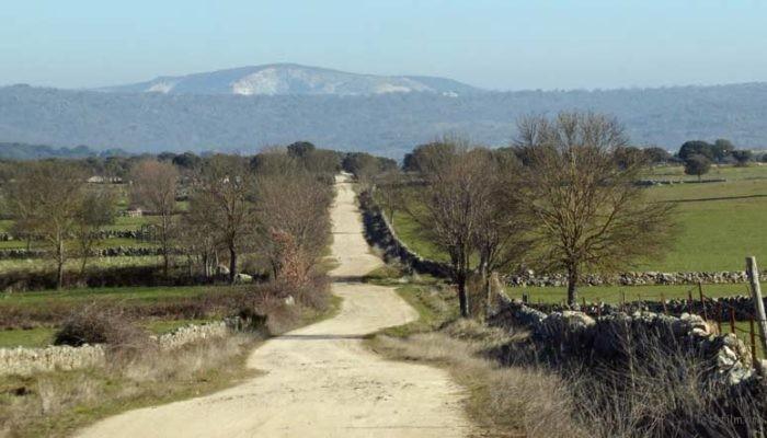 En_bici_por_el_Camino-la-Plata-700x400