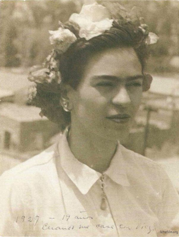 rare-frida-kahlo-photographs-19