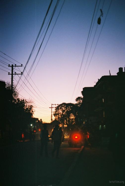 从清晨到日暮