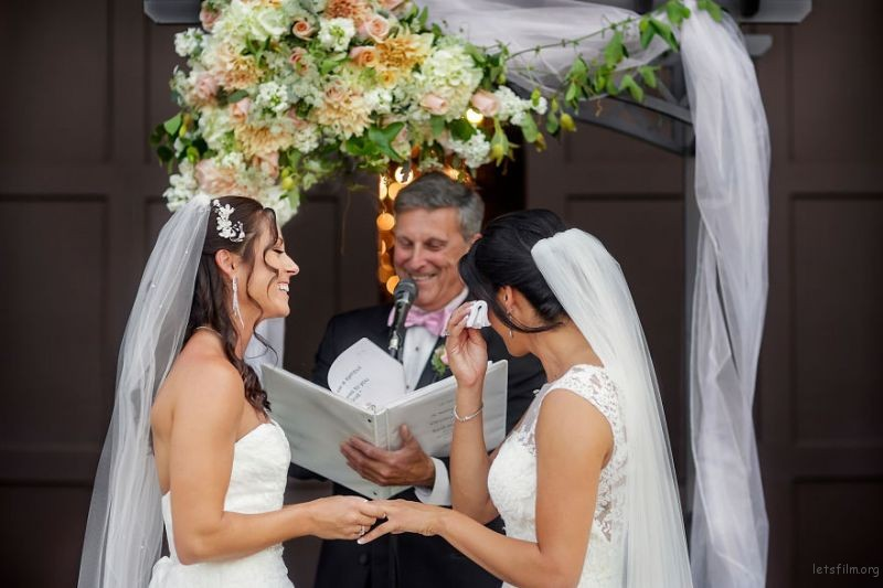 lgbt-wedding-pictures-159-59367279b3197__880