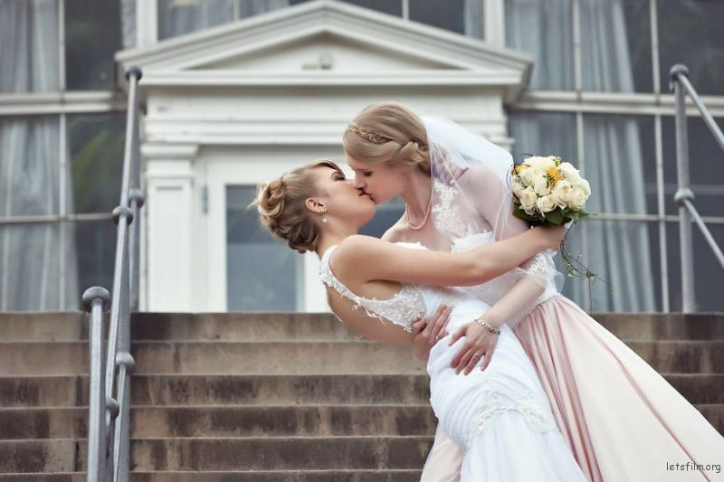 lgbt-wedding-pictures-186-59369b743901f__880