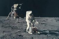 用了 18 个月,将 NASA 阿波罗计划的「照片」制成科幻感十足的「影片」