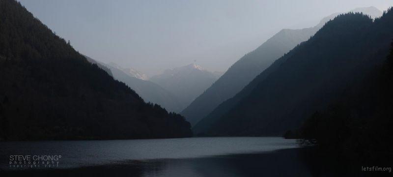 ▼第一张图:直接输出,没有做任何修改。图像中可能有山、天空、户外、大自然和水