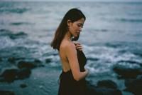 [14668] 如果蓝色就是忧郁,我将在海边拥抱你直至天明。