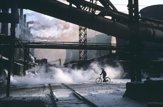 1981年,辽宁鞍山,中国最大的钢铁厂——鞍山钢铁厂