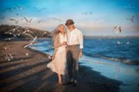 俄罗斯摄影师找爷爷奶奶当模特,拍出全世界最美丽的爱情